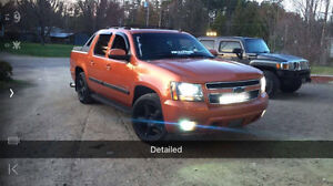 2008 Chevrolet Avalanche LTZ [REDUCED / Lots of extras!]