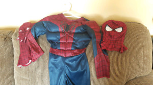 Deluxe Spiderman costume size 5/6 $10 No holds