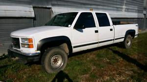 1998 GMC/CHEV  (2500 Series)4-door Pick-Up Truck 4X4