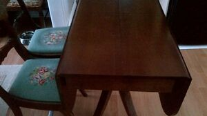 Duncan Phyfe Table and Chairs Kingston Kingston Area image 3
