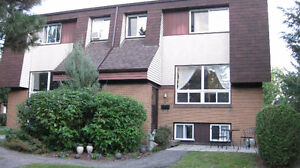 5 Min walk from CHEO and General Hospitals!