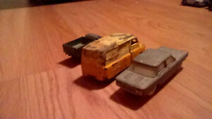 VINTAGE  LOT OF 1960`S DIECAST TOY VEHICLES London Ontario image 2