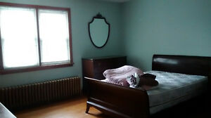 DOWNTOWN, BEAUTIFUL SPACIOUS FURNISHED FOR FEMALES, JUNE