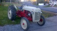 TRACTOR , FORD 8N