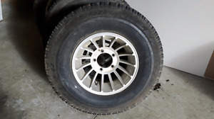 Set of 4 10.50X15 rims and tires