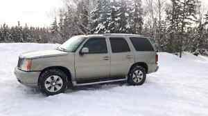 2002 Cadillac Escalade-  ONLY 3 WINTERS IN CANADA!  SPOTLESS