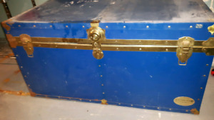Old style steam trunk