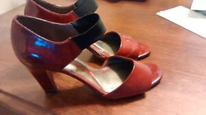 Ladies red shoes-Naturalizer and purse combo