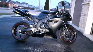 2005 Yamaha R1 Raven Edition