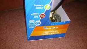 New in Box Schlage front foor lock and bolt, polished brass Kitchener / Waterloo Kitchener Area image 3
