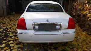Parting out 2003 Lincoln Town car Cartier Cambridge Kitchener Area image 2