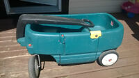 Excellent shape green step 2 wagon
