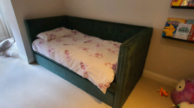 Single day bed with pull out occasional bed