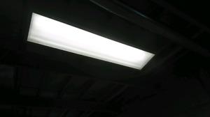 Florescent Lights & Fixtures