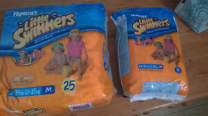 "SWIMMERS ""HUGGIES"" medium SIZE"
