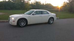 2005 Chrysler 300C 5.7 Hemi,Loaded,Certified and E-Tested