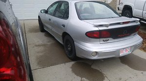 2002 Sunfire LOW KILOMETERS.