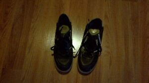 Ladies curling shoes great condition size 8.5