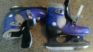 Hocky skating boot size 1-4 adjustable fairly used mint blade