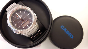 Casio men watch. Come with box and instructions