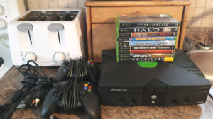 Original Xbox System With 2 Controllers And 10 Games!