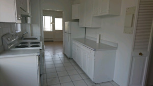 Ville Mont Royal, TMR 4.5with 2 bathrooms + garage incl