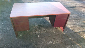 Office/Student Desk Great Condition