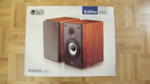 Edifier R1200 Bookshelf speakers