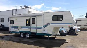 1996 Okanagan fifth wheel trailer