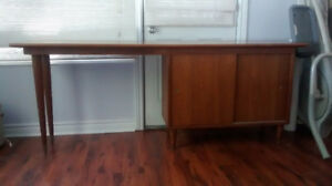 Credenza (office)