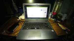 "Samsung Series 5 AMD A10 14"" Laptop London Ontario image 1"
