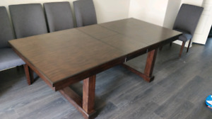 Hardwood Dining Room Table and 6 Chairs