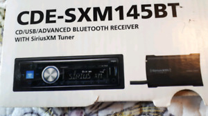 Alpine radio with Sirius tuner