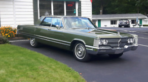 Chrysler Imperial Crown 1968  440 voiture classique Mopar