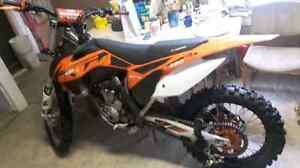2013 KTM 250 SX-F only 64 hours on the bike