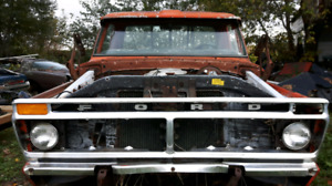 Parting out 1976 Ford F150 4WD