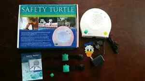 Safety turtle pool alarm Sarnia Sarnia Area image 1
