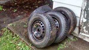 4 pneu hiver Toyo Observe G02 plus sur jantes