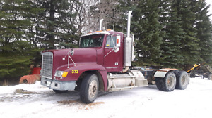 For Sale: Freightliner 1990  FLD 120