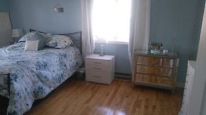 Bright 3 bedroom easy access to everything
