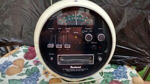 "RETRO/VINTAGE SPACE AGE RADIO "" FLEETWOOD"" AM/FM 8 TRACK"