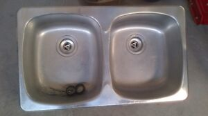 KITCHEN SINK AND TAP FOR SALE
