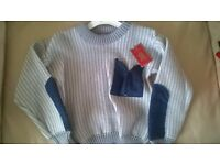 Boys jumper size 3-4 new with tags £3 socks 9-12 £3