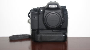 CANON 7D (BODY ONLY) $690