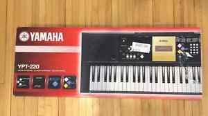 YPT 220 Yamaha Portable Keyboard