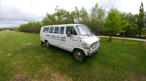 1975 Dodge Ram Van 400engine, Ramcharger, Power Wagon
