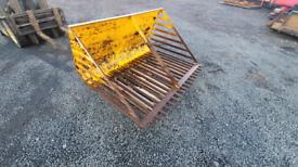 Tractor front loader grays root crop sugar beet bucket
