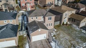 Rarely Offered 3+2 Bdrm Home With Salt Water Pool *PICKERING*