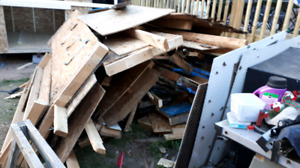 Free wood old 10 x 10 shed