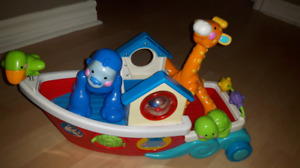 bateau fisher price et animaux